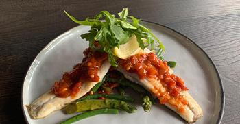 Eten bezorgen en afhalen | Bekijk ons menu | Restaurant JuNa Tholen